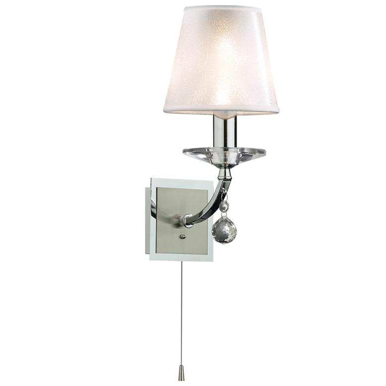 Бра Odeon lightНастенные светильники и бра<br>Тип: бра,<br>Назначение светильника: для комнаты,<br>Стиль светильника: классика,<br>Материал светильника: металл, стекло,<br>Тип лампы: накаливания,<br>Количество ламп: 1,<br>Мощность: 40,<br>Патрон: Е14,<br>Цвет арматуры: хром,<br>Ширина: 140,<br>Высота: 290,<br>Коллекция: kvinta<br>