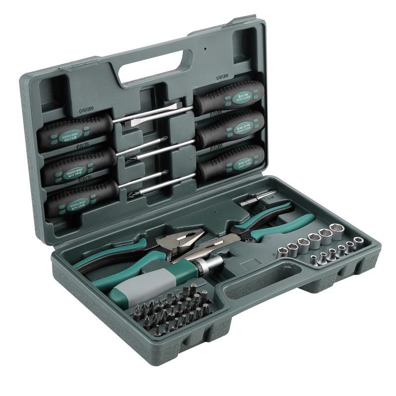 Набор инструментов в чемодане, 45 предметов FitНаборы инструментов<br>Назначение: универсальный,<br>Количество предметов в наборе: 45,<br>Тип набора: инструменты в наборе,<br>Класс: бытовой,<br>Поставляется в: кейсе,<br>Родина бренда: Канада<br>