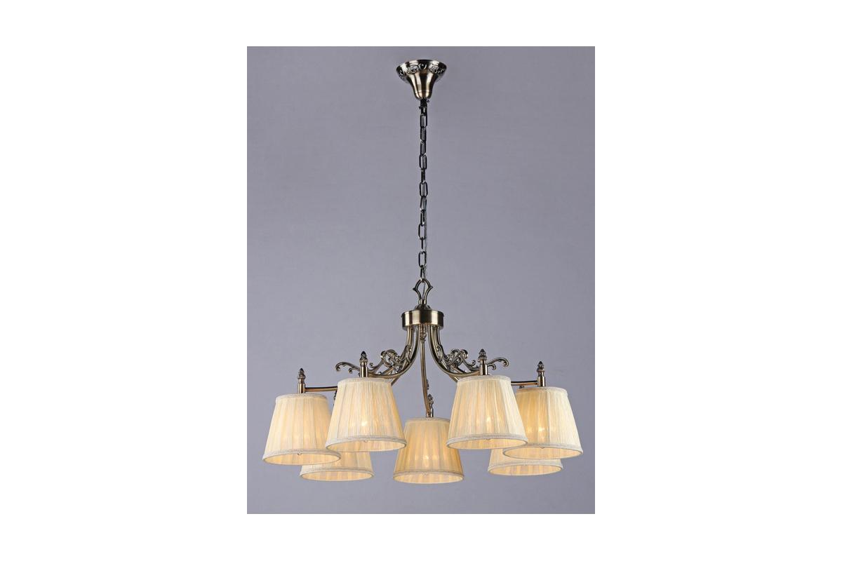 Люстра MaytoniЛюстры<br>Назначение светильника: для гостиной,<br>Стиль светильника: модерн,<br>Тип: подвесная,<br>Материал светильника: металл,<br>Материал плафона: ткань,<br>Материал арматуры: металл,<br>Ширина: 700,<br>Диаметр: 700,<br>Высота: 410,<br>Количество ламп: 7,<br>Тип лампы: накаливания,<br>Мощность: 40,<br>Патрон: Е14,<br>Цвет арматуры: бронза<br>