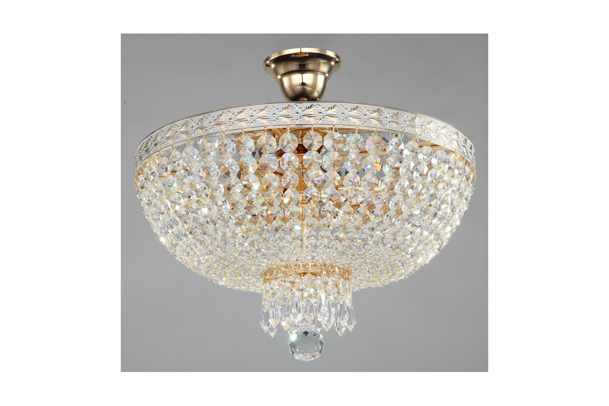 Люстра MaytoniЛюстры<br>Назначение светильника: для гостиной,<br>Стиль светильника: классика,<br>Тип: подвесная,<br>Материал светильника: металл, хрусталь,<br>Материал арматуры: металл,<br>Диаметр: 400,<br>Высота: 370,<br>Количество ламп: 5,<br>Тип лампы: накаливания,<br>Мощность: 60,<br>Патрон: Е14,<br>Цвет арматуры: золото<br>