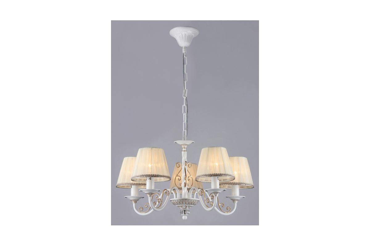 Люстра MaytoniЛюстры<br>Назначение светильника: для гостиной,<br>Стиль светильника: классика,<br>Тип: подвесная,<br>Материал светильника: металл, ткань,<br>Материал плафона: ткань,<br>Материал арматуры: металл,<br>Диаметр: 570,<br>Высота: 350,<br>Количество ламп: 5,<br>Тип лампы: накаливания,<br>Мощность: 40,<br>Патрон: Е14,<br>Цвет арматуры: золото,<br>Коллекция: arm290<br>