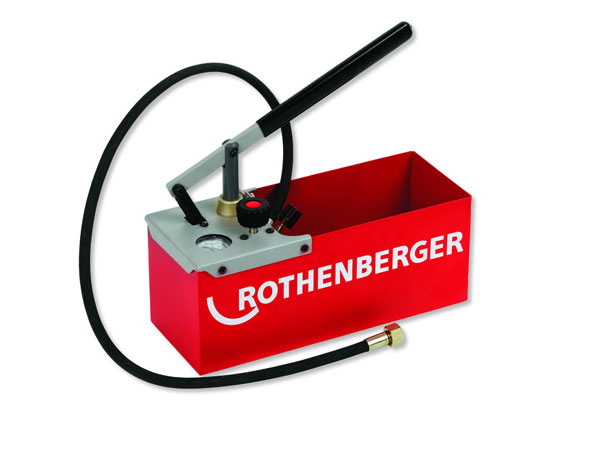 Опрессовщик RothenbergerОпрессовочные насосы<br>Макс. давление: 25,<br>Привод: ручной,<br>Резьба: 1/2,<br>Рабочая жидкость: вода/масло,<br>Объем резервуара для воды: 7,<br>Объем за 1 ход поршня: 16,<br>Манометр: есть<br>