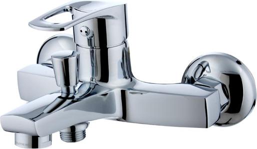 Смеситель для ванны ZentaСмесители<br>Назначение смесителя: для ванны и душа, Тип управления смесителя: однорычажный, Цвет покрытия: хром, Стиль смесителя: модерн, Монтаж смесителя: вертикальный, Тип установки смесителя: настенный, Материал смесителя: латунь, Излив: традиционный, Лейка: есть, Родина бренда: Россия, Длина (мм): 156, Ширина: 173, Высота: 215<br>