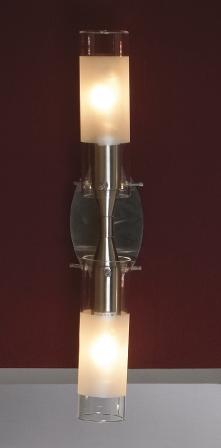 Бра LussoleНастенные светильники и бра<br>Тип: настенный, Назначение светильника: для комнаты, Стиль светильника: модерн, Материал светильника: металл, стекло, Тип лампы: накаливания, Количество ламп: 2, Мощность: 40, Патрон: Е14, Цвет арматуры: никель, Ширина: 80<br>