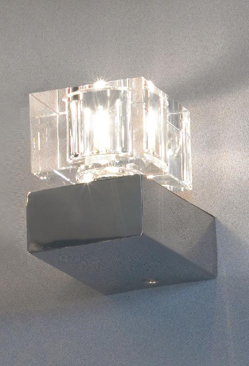 Бра LussoleНастенные светильники и бра<br>Тип: настенный,<br>Назначение светильника: для комнаты,<br>Стиль светильника: модерн,<br>Материал светильника: металл, стекло,<br>Тип лампы: галогенная,<br>Количество ламп: 1,<br>Мощность: 40,<br>Патрон: G9,<br>Цвет арматуры: хром,<br>Ширина: 90<br>