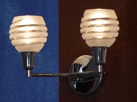 Бра LussoleНастенные светильники и бра<br>Тип: бра,<br>Назначение светильника: для комнаты,<br>Стиль светильника: модерн,<br>Материал светильника: металл, стекло,<br>Тип лампы: накаливания,<br>Количество ламп: 2,<br>Мощность: 40,<br>Патрон: Е14,<br>Цвет арматуры: хром,<br>Ширина: 310<br>
