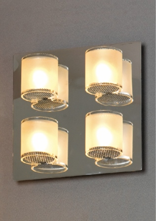 Бра LussoleНастенные светильники и бра<br>Тип: настенный,<br>Назначение светильника: для комнаты,<br>Стиль светильника: модерн,<br>Материал светильника: металл, стекло,<br>Тип лампы: галогенная,<br>Количество ламп: 4,<br>Мощность: 40,<br>Патрон: G9,<br>Цвет арматуры: хром,<br>Ширина: 220<br>