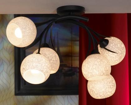 Люстра LussoleЛюстры<br>Назначение светильника: для комнаты,<br>Стиль светильника: модерн,<br>Тип: потолочная,<br>Материал светильника: металл, стекло,<br>Материал плафона: стекло,<br>Материал арматуры: металл,<br>Длина (мм): 330,<br>Ширина: 770,<br>Количество ламп: 6,<br>Тип лампы: накаливания,<br>Мощность: 40,<br>Патрон: Е14,<br>Цвет арматуры: дерево<br>