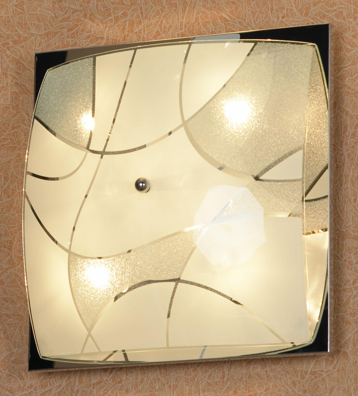 Светильник LussoleСветильники настенно-потолочные<br>Мощность: 40,<br>Количество ламп: 6,<br>Назначение светильника: для комнаты,<br>Стиль светильника: модерн,<br>Материал светильника: металл, стекло,<br>Тип лампы: галогенная,<br>Ширина: 340,<br>Патрон: G9,<br>Цвет арматуры: хром<br>