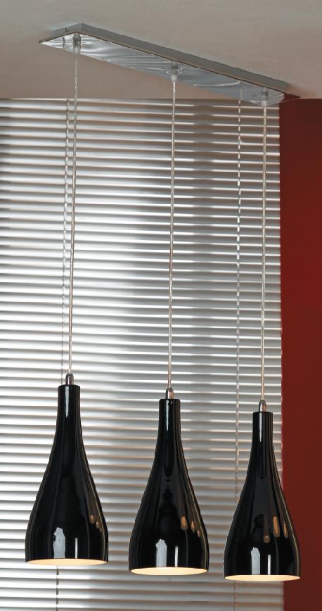 Подвес LussoleСветильники подвесные<br>Количество ламп: 3, Мощность: 60, Назначение светильника: для комнаты, Стиль светильника: модерн, Материал светильника: металл, стекло, Длина (мм): 1200, Ширина: 660, Тип лампы: накаливания, Патрон: Е27, Цвет арматуры: хром<br>