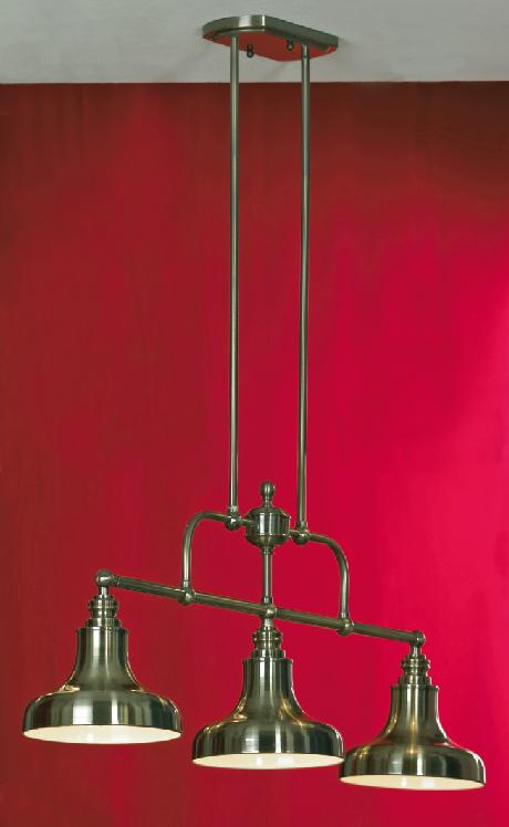 Подвес LussoleСветильники подвесные<br>Количество ламп: 3, Мощность: 60, Назначение светильника: для комнаты, Стиль светильника: модерн, Материал светильника: металл, стекло, Длина (мм): 1380, Ширина: 910, Тип лампы: накаливания, Патрон: Е27, Цвет арматуры: бронза<br>