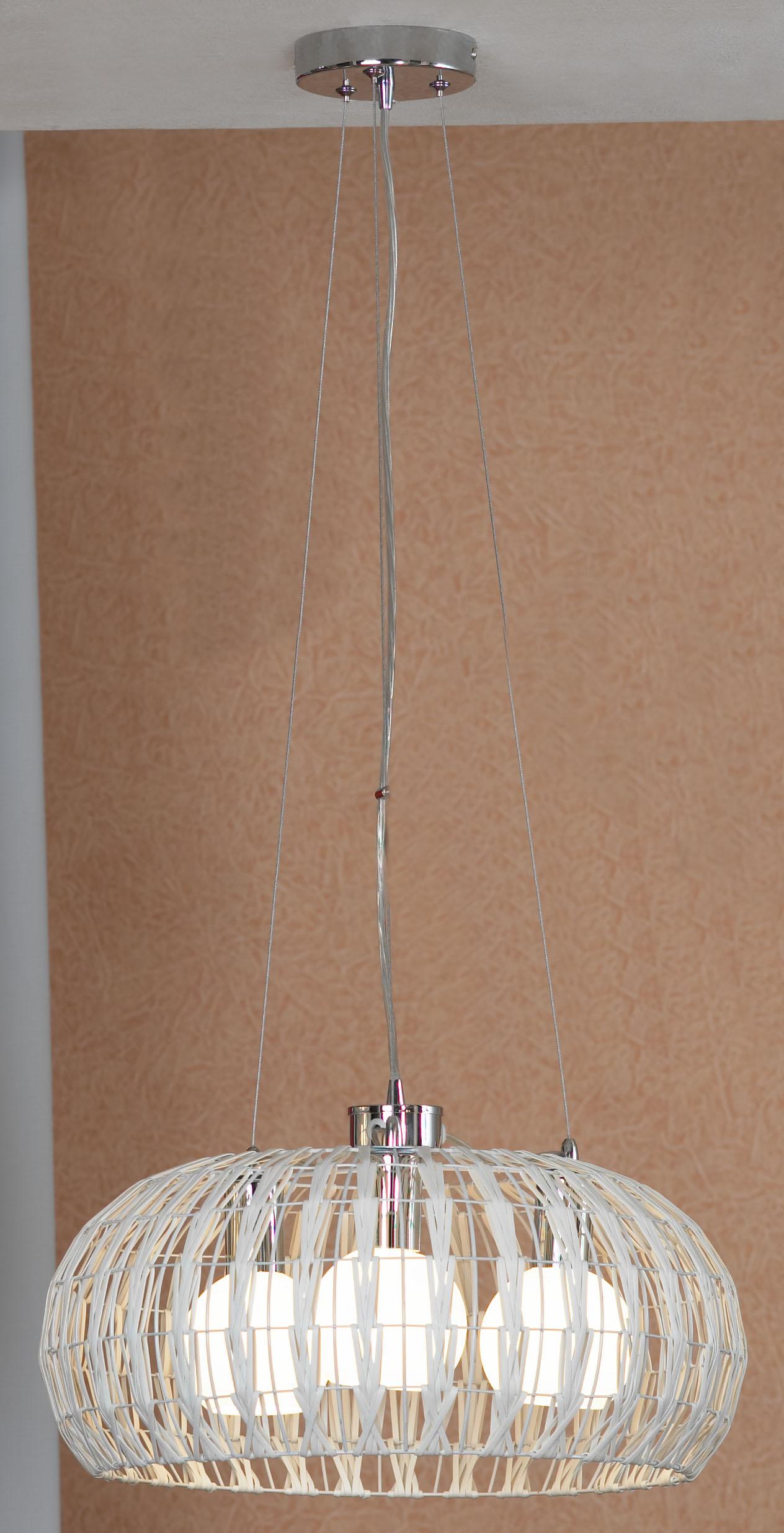 Подвес LussoleСветильники подвесные<br>Количество ламп: 3,<br>Мощность: 60,<br>Назначение светильника: для комнаты,<br>Стиль светильника: модерн,<br>Материал светильника: металл, стекло,<br>Длина (мм): 1000,<br>Ширина: 450,<br>Тип лампы: накаливания,<br>Патрон: Е27,<br>Цвет арматуры: белый<br>