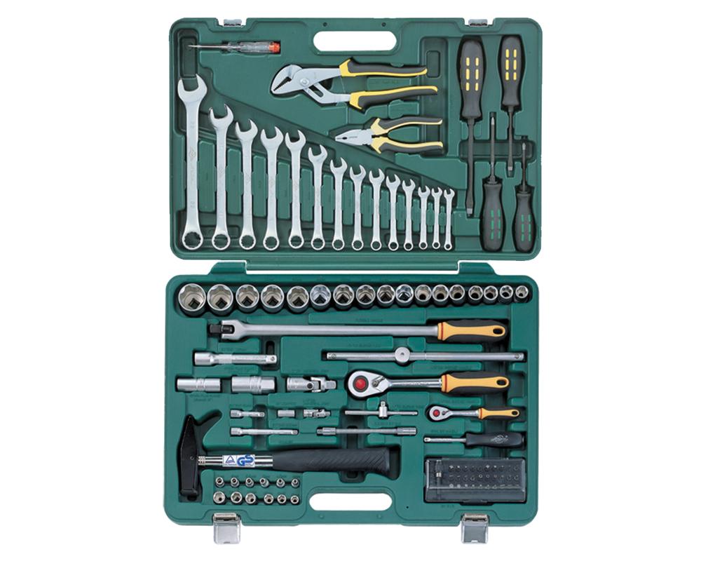 Набор инструментов AistНаборы инструментов<br>Назначение: автомобильный, Количество предметов в наборе: 98, Тип набора: инструменты в наборе, Класс: бытовой, Поставляется в: кейсе, Родина бренда: Россия<br>