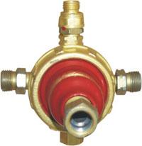Редуктор метановый БАМЗ - БАМЗ - БАМЗГазосварочное оборудование<br>Тип: редуктор,<br>Тип газа/топлива: метан<br>