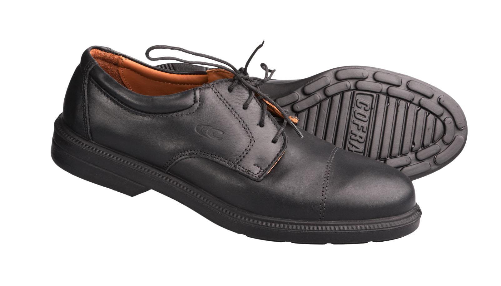 Полуботинки рабочие CofraРабочая обувь<br>Тип: полуботинки,<br>Сезон: демисезон,<br>Размер: 39,<br>Пол: мужской,<br>Цвет: черный,<br>Материал верха: натуральная кожа,<br>Подкладка: кожа натуральная подкладочная,<br>Подошва: однослойная, полиуретан<br>