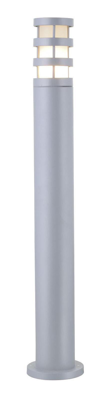 Светильник уличный Arte lampСветильники уличные<br>Мощность: 60,<br>Тип установки: на землю/пол,<br>Стиль светильника: модерн,<br>Материал светильника: стекло,<br>Количество ламп: 1,<br>Тип лампы: накаливания,<br>Патрон: Е27,<br>Цвет арматуры: серебристый,<br>Диаметр: 130,<br>Высота: 650,<br>Вес нетто: 1.5,<br>Коллекция: 8371<br>