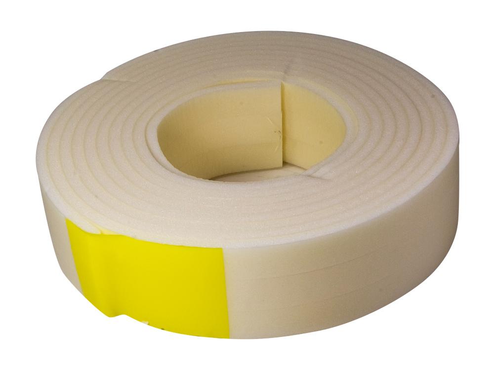 Уплотнитель СИБРТЕХВспомогательный малярный инструмент<br>Тип: уплотнитель,<br>Цвет: белый,<br>Длина (мм): 12000,<br>Ширина: 16<br>