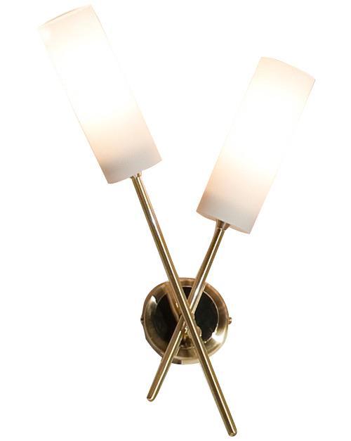 Бра CitiluxНастенные светильники и бра<br>Тип: настенный,<br>Назначение светильника: для комнаты,<br>Стиль светильника: модерн,<br>Материал светильника: металл, стекло,<br>Тип лампы: накаливания,<br>Количество ламп: 2,<br>Мощность: 60,<br>Патрон: Е14,<br>Цвет арматуры: золото,<br>Длина (мм): 150,<br>Ширина: 240,<br>Высота: 390,<br>Диаметр: 240<br>