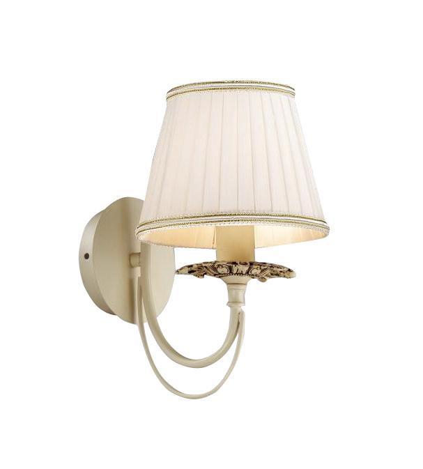 Бра LamplandiaНастенные светильники и бра<br>Тип: бра,<br>Назначение светильника: для гостиной,<br>Стиль светильника: классика,<br>Материал светильника: металл, стекло,<br>Тип лампы: накаливания,<br>Количество ламп: 1,<br>Мощность: 40,<br>Патрон: Е14,<br>Цвет арматуры: алюминий,<br>Длина (мм): 27,<br>Ширина: 15,<br>Высота: 22<br>