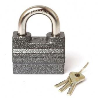 Замок навесной ЧАЗЗамки<br>Тип установки замка: навесной,<br>Тип механизма секретности: дисковый,<br>Ключей в наборе: 3,<br>Тип ключа: финский,<br>Материал: алюминий<br>