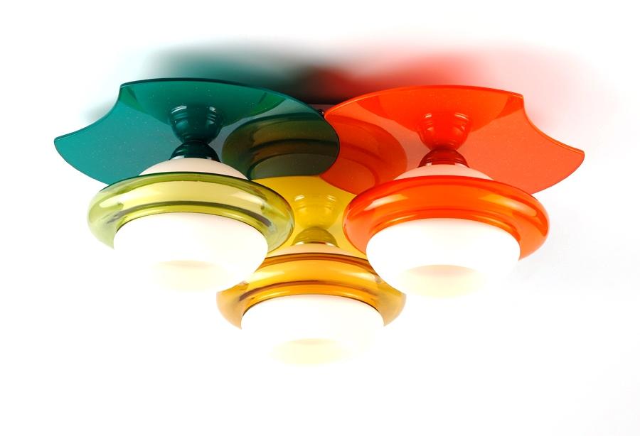 Люстра RivoliЛюстры<br>Назначение светильника: для комнаты,<br>Стиль светильника: модерн,<br>Тип: потолочная,<br>Материал светильника: металл, стекло,<br>Материал плафона: стекло,<br>Материал арматуры: металл,<br>Длина (мм): 200,<br>Ширина: 550,<br>Высота: 550,<br>Количество ламп: 3,<br>Тип лампы: накаливания,<br>Мощность: 40,<br>Патрон: Е27,<br>Цвет арматуры: хром<br>