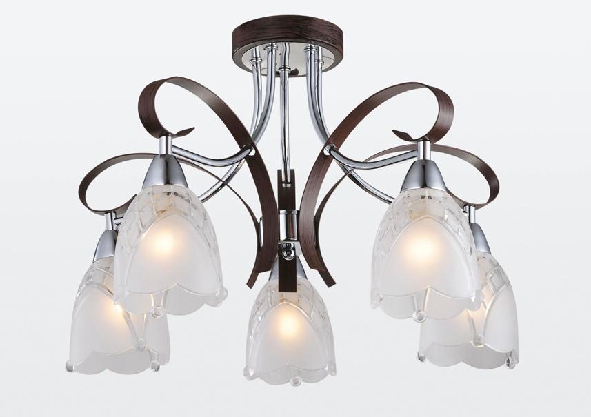 Люстра RivoliЛюстры<br>Назначение светильника: для гостиной,<br>Стиль светильника: модерн,<br>Тип: потолочная,<br>Материал светильника: металл, стекло,<br>Материал плафона: стекло,<br>Материал арматуры: металл,<br>Длина (мм): 330,<br>Ширина: 460,<br>Высота: 460,<br>Количество ламп: 5,<br>Тип лампы: накаливания,<br>Мощность: 40,<br>Патрон: Е14,<br>Цвет арматуры: хром<br>