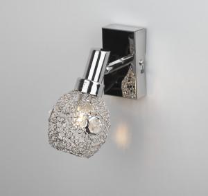 Люстра RivoliЛюстры<br>Назначение светильника: для комнаты, Стиль светильника: модерн, Тип: потолочная, Материал светильника: металл, стекло, Материал плафона: стекло, Материал арматуры: металл, Длина (мм): 120, Ширина: 220, Высота: 220, Количество ламп: 3, Тип лампы: накаливания, Мощность: 40, Патрон: Е14, Цвет арматуры: хром, Родина бренда: Италия, Вес нетто: 1.3, Коллекция: gamma<br>