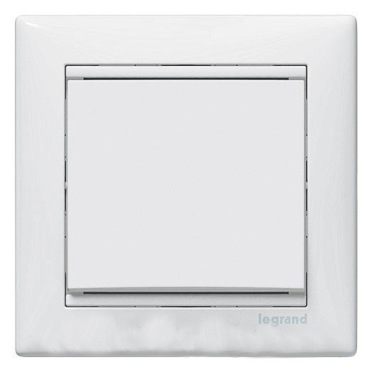 Механизм выключателя LegrandЭлектроустановочные изделия<br>Тип изделия: механизм выключателя,<br>Способ монтажа: скрытой установки,<br>Цвет: белый,<br>Сила тока: 10,<br>Степень защиты от пыли и влаги: IP 20,<br>Количество клавиш: 1,<br>Выходная мощность максимально: 2200<br>