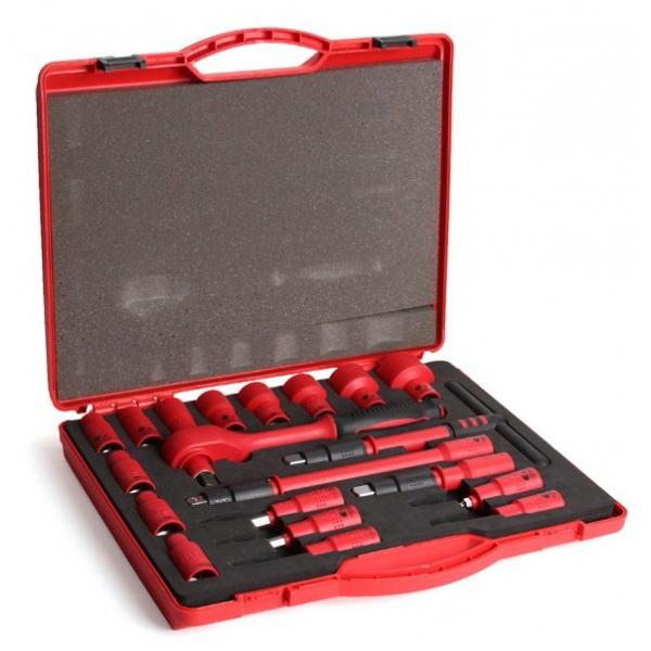 Набор КВТНаборы инструментов<br>Назначение: электрика,<br>Количество предметов в наборе: 20,<br>Тип набора: инструменты в наборе,<br>Класс: бытовой,<br>Поставляется в: кейсе,<br>Родина бренда: Россия<br>