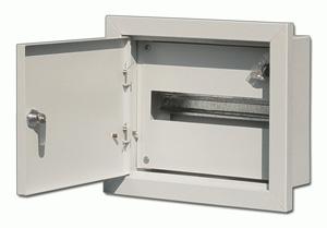 Щит DekraftЩиты электрические, боксы<br>Тип: щит,<br>Тип установки: встраиваемый,<br>Материал: металл,<br>Степень защиты от пыли и влаги: IP 31,<br>Использование: в помещении,<br>Высота: 280,<br>Ширина: 330,<br>Глубина: 120,<br>Количество модулей: 12<br>