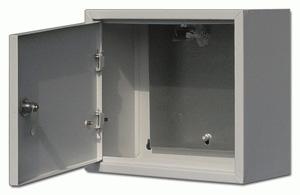 Щит DekraftЩиты электрические, боксы<br>Тип: щит,<br>Тип установки: навесной,<br>Материал: металл,<br>Степень защиты от пыли и влаги: IP 31,<br>Использование: в помещении,<br>Высота: 400,<br>Ширина: 300,<br>Глубина: 155<br>