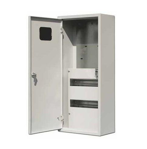 Щит DekraftЩиты электрические, боксы<br>Тип: щит,<br>Тип установки: встраиваемый,<br>Материал: металл,<br>Степень защиты от пыли и влаги: IP 31,<br>Использование: в помещении,<br>Высота: 710,<br>Ширина: 330,<br>Глубина: 160,<br>Количество модулей: 24<br>