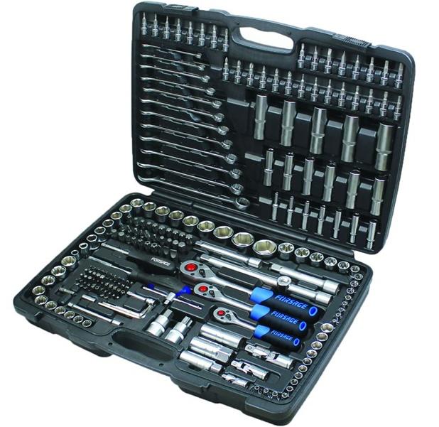 Набор инструментов ForsageНаборы инструментов<br>Назначение: универсальный,<br>Количество предметов в наборе: 215,<br>Класс: полупроф.,<br>Поставляется в: кейсе,<br>Родина бренда: Тайвань<br>