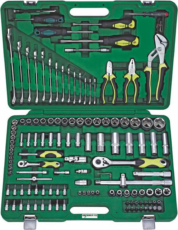 Набор инструментов универсальный АРСЕНАЛНаборы инструментов<br>Назначение: автомобильный,<br>Количество предметов в наборе: 132,<br>Тип набора: инструменты в наборе,<br>Класс: проф.,<br>Поставляется в: кейсе,<br>Родина бренда: Россия<br>
