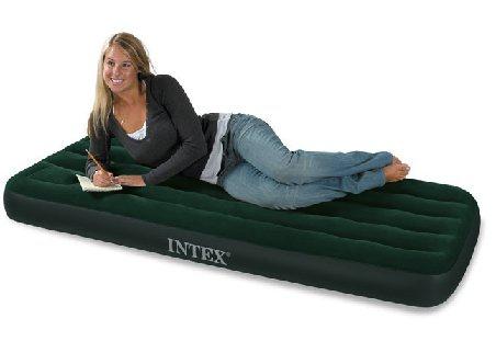 Матрас надувной IntexМатрасы надувные<br>Тип: матрас,<br>Назначение: для сна,<br>Размеры: 760х1910х220,<br>Длина (мм): 1910,<br>Ширина: 760,<br>Высота: 220,<br>Флокированный: есть,<br>Количество мест: 1,<br>Насос в комплекте: есть<br>
