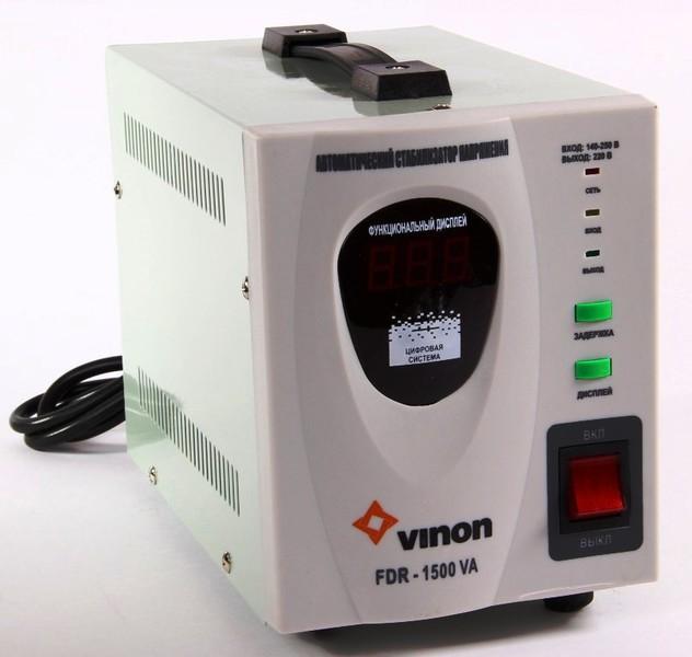 Стабилизатор напряжения VinonСтабилизаторы и ИБП<br>Мощность: 1500,<br>Тип: однофазный стабилизатор,<br>Тип стабилизатора: электронный (релейный),<br>Тип установки: напольный,<br>Мин. входное напряжение: 140,<br>Макс. входное напряжение: 260,<br>Выходное напряжение: 220,<br>Дисплей: цифровой<br>