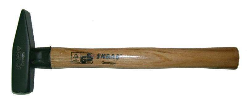 Молоток слесарный SkrabМолотки ручные<br>Тип молотка: слесарный,<br>Форма бойка: квадрат,<br>Материал рукоятки: древесина<br>