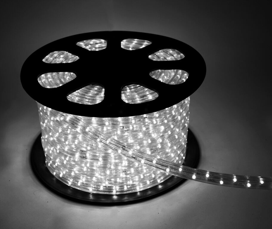 Лента светодиодная КОСМОССветодиодные ленты, дюралайт<br>Длина ленты: 100000,<br>Ширина ленты: 13,<br>Назначение светильника: подсветка,<br>Материал светильника: пластик,<br>Степень защиты от пыли и влаги: IP 44,<br>Тип: лента,<br>Тип лампы: светодиодная<br>