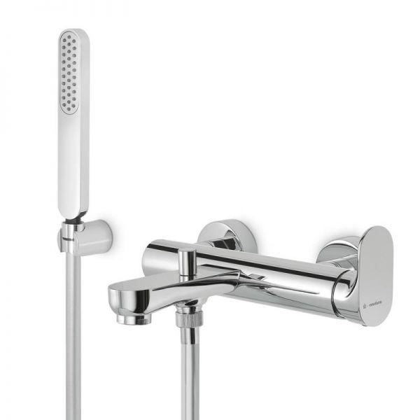 Смеситель NewformСмесители<br>Назначение смесителя: для ванны,<br>Тип управления смесителя: однорычажный,<br>Цвет покрытия: хром,<br>Стиль смесителя: модерн,<br>Монтаж смесителя: вертикальный,<br>Тип установки смесителя: настенный,<br>Материал смесителя: латунь,<br>Излив: традиционный,<br>Родина бренда: Италия<br>