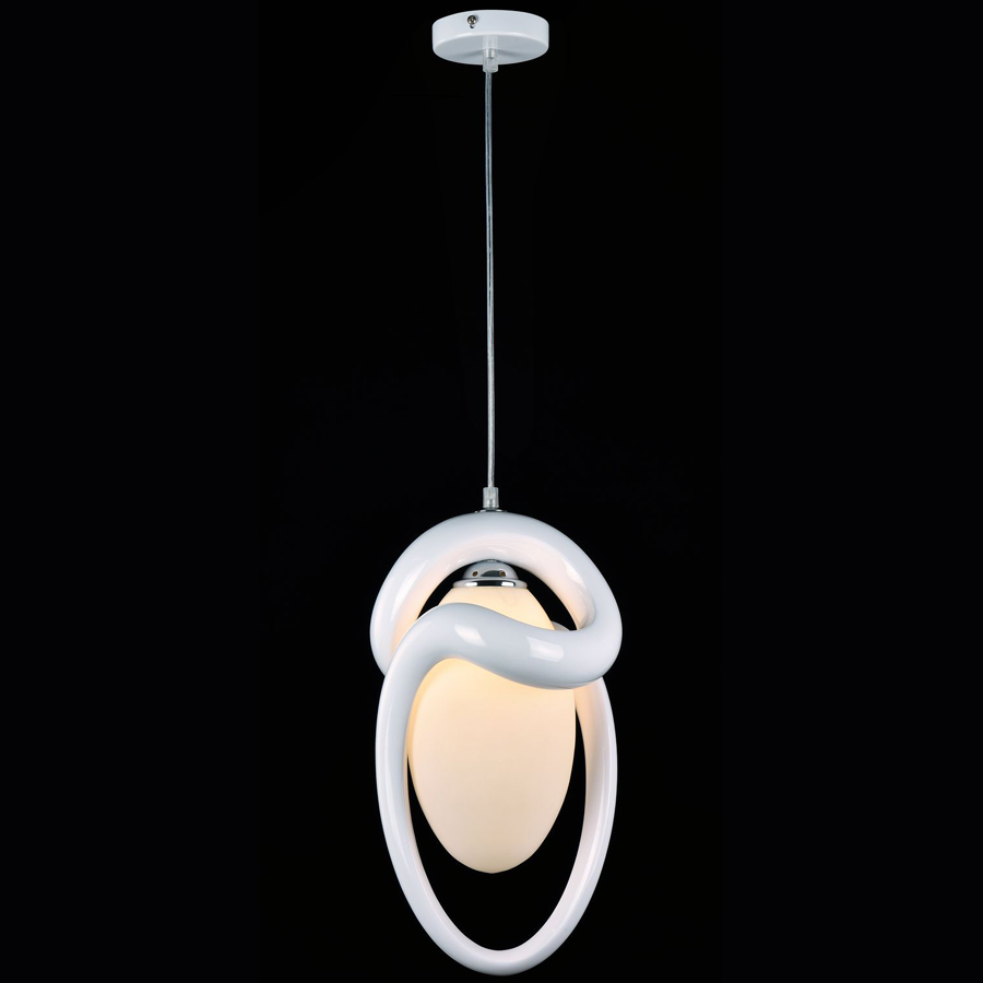 Люстра MaytoniЛюстры<br>Назначение светильника: для гостиной, Стиль светильника: модерн, Тип: потолочная, Материал светильника: металл, Материал арматуры: металл, Диаметр: 210, Высота: 380, Количество ламп: 1, Тип лампы: накаливания, Мощность: 40, Патрон: Е14, Цвет арматуры: белый, Родина бренда: Германия, Коллекция: mod205<br>