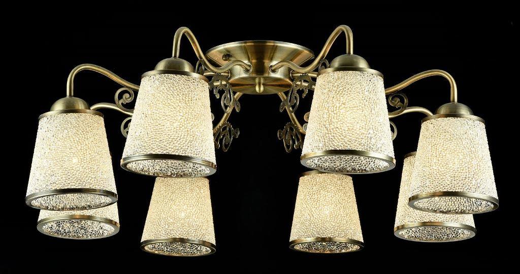 Люстра MaytoniЛюстры<br>Назначение светильника: для гостиной,<br>Стиль светильника: классика,<br>Тип: потолочная,<br>Материал светильника: металл, стекло,<br>Материал плафона: стекло,<br>Материал арматуры: металл,<br>Длина (мм): 740,<br>Ширина: 740,<br>Высота: 260,<br>Количество ламп: 8,<br>Тип лампы: накаливания,<br>Мощность: 40,<br>Патрон: Е27,<br>Цвет арматуры: бронза<br>