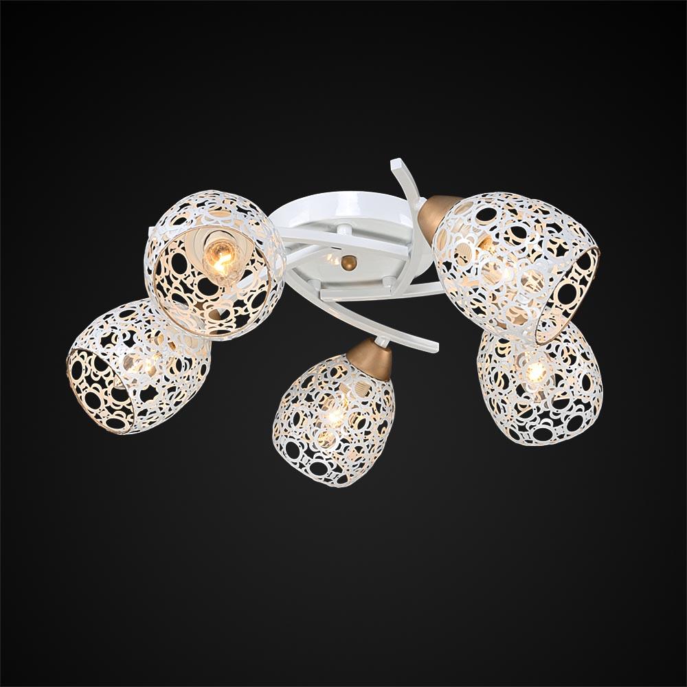 Люстра МАКСИСВЕТЛюстры<br>Назначение светильника: для гостиной,<br>Стиль светильника: модерн,<br>Тип: потолочная,<br>Материал плафона: металл,<br>Материал арматуры: металл,<br>Длина (мм): 570,<br>Ширина: 570,<br>Высота: 210,<br>Количество ламп: 5,<br>Тип лампы: накаливания,<br>Патрон: Е27,<br>Цвет арматуры: белый<br>