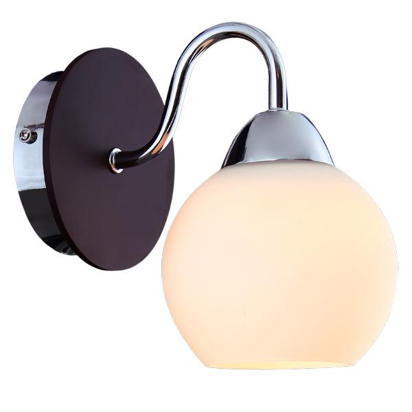 Бра Natali kovaltsevaНастенные светильники и бра<br>Тип: бра,<br>Назначение светильника: для комнаты,<br>Стиль светильника: модерн,<br>Материал светильника: металл, дерево, стекло,<br>Тип лампы: накаливания,<br>Количество ламп: 1,<br>Мощность: 60,<br>Патрон: Е27,<br>Цвет арматуры: хром,<br>Длина (мм): 180,<br>Ширина: 120,<br>Высота: 200<br>