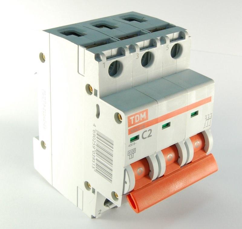 Автомат ТДМАвтоматические выключатели<br>Номинальный ток: 10,<br>Тип выключателя: автомат,<br>Номинальная отключающая способность: 4500,<br>Степень защиты от пыли и влаги: IP 20<br>