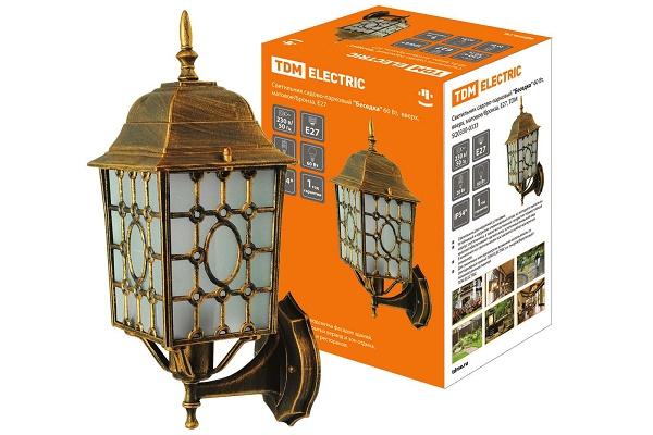 Светильник уличный ТДМСветильники уличные<br>Мощность: 60,<br>Тип установки: настенный,<br>Стиль светильника: модерн,<br>Материал светильника: металл,<br>Количество ламп: 1,<br>Тип лампы: накаливания,<br>Патрон: Е27,<br>Кронштейн: есть,<br>Цвет арматуры: бронза,<br>Ширина: 180,<br>Высота: 420,<br>Коллекция: Беседка<br>