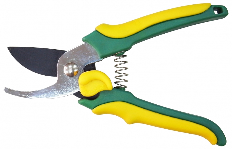 Секатор WiproСекаторы, сучкорезы<br>Тип: секатор, Техника подрезки: плоскостная, Режущая способность: 20<br>