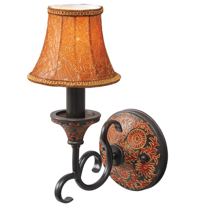 Бра ChiaroНастенные светильники и бра<br>Тип: бра, Назначение светильника: для комнаты, Стиль светильника: кантри, Материал светильника: металл, текстиль, Тип лампы: накаливания, Количество ламп: 1, Мощность: 60, Патрон: Е14, Цвет арматуры: черный, Длина (мм): 350, Ширина: 150, Высота: 240, Коллекция: Версаче<br>