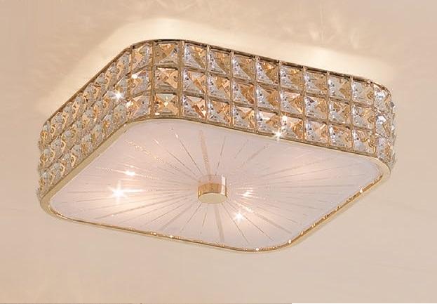 Светильник настенно-потолочный CitiluxСветильники настенно-потолочные<br>Мощность: 60,<br>Количество ламп: 4,<br>Назначение светильника: для комнаты,<br>Стиль светильника: хай-тек,<br>Материал светильника: металл, стекло,<br>Тип лампы: накаливания,<br>Длина (мм): 310,<br>Ширина: 310,<br>Высота: 120,<br>Патрон: Е14,<br>Цвет арматуры: золото,<br>Коллекция: Портал<br>