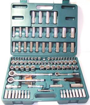 Набор торцевых головок с принадлежностями, 107 предметов JonneswayНаборы инструментов<br>Тип набора: инструменты в наборе, Присоединительный размер: 1/2, 3/8, 1/4  , Страна происхождения: Тайвань<br>