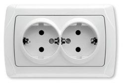 Розетка VikoЭлектроустановочные изделия<br>Тип изделия: розетка,<br>Способ монтажа: скрытой установки,<br>Цвет: белый,<br>Заземление: есть,<br>Сила тока: 16,<br>Степень защиты от пыли и влаги: IP 20,<br>Количество гнезд: 2,<br>Выходная мощность максимально: 3500,<br>Напряжение: 220<br>
